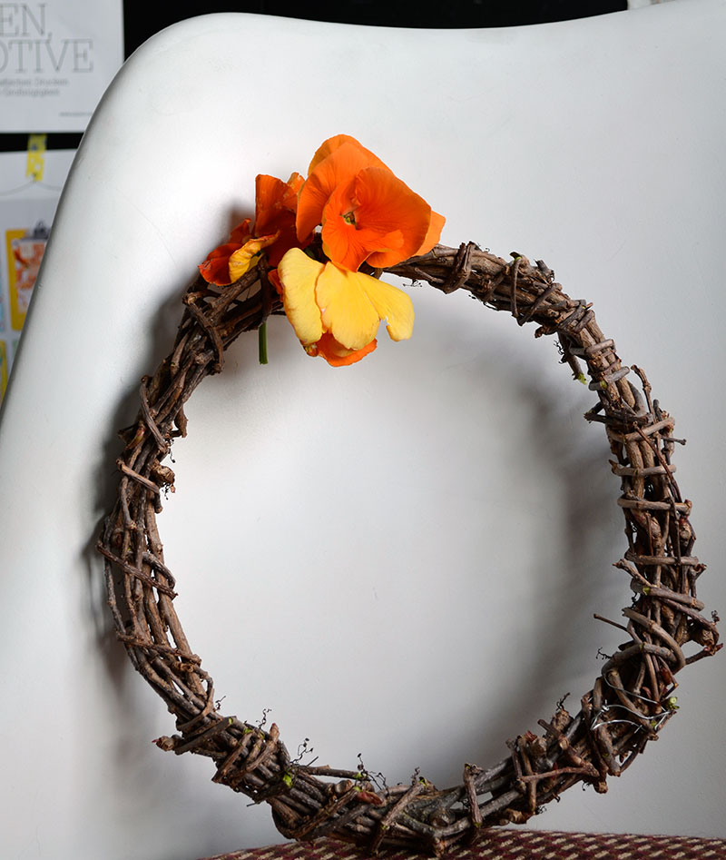 Simple wreath / totally by design