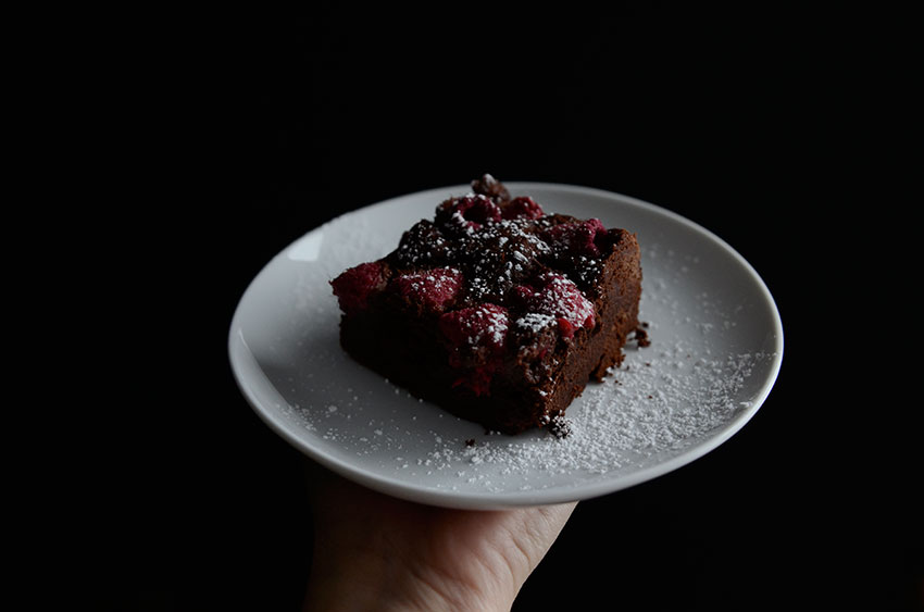 Raspberry and Chocolate cake | totallybydesign.com