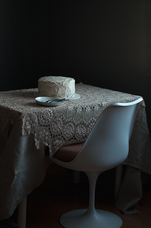 Red Velvet cake styling | totallybydesign.com