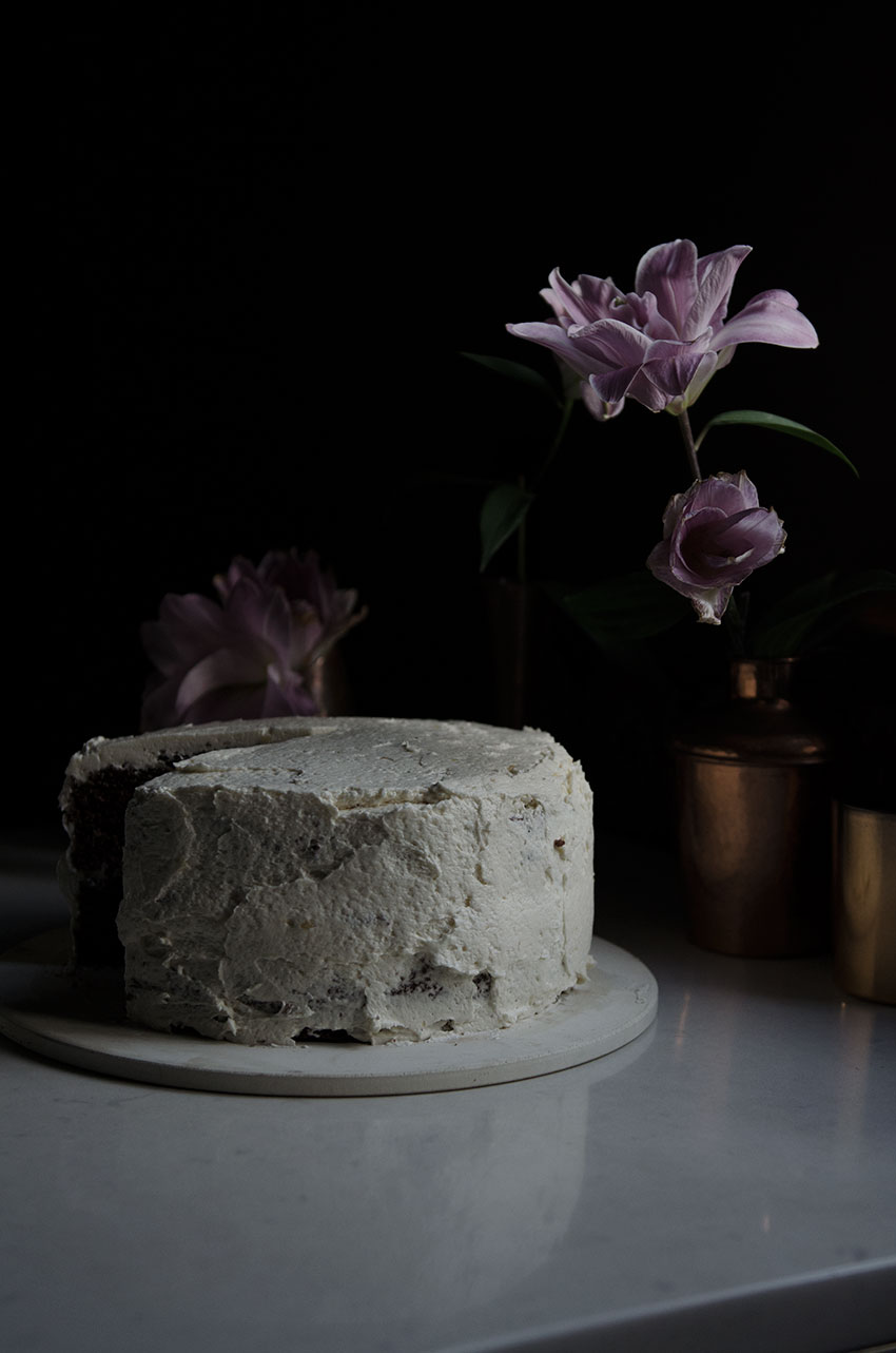 Red Velvet cake styling | totallybydesign.com